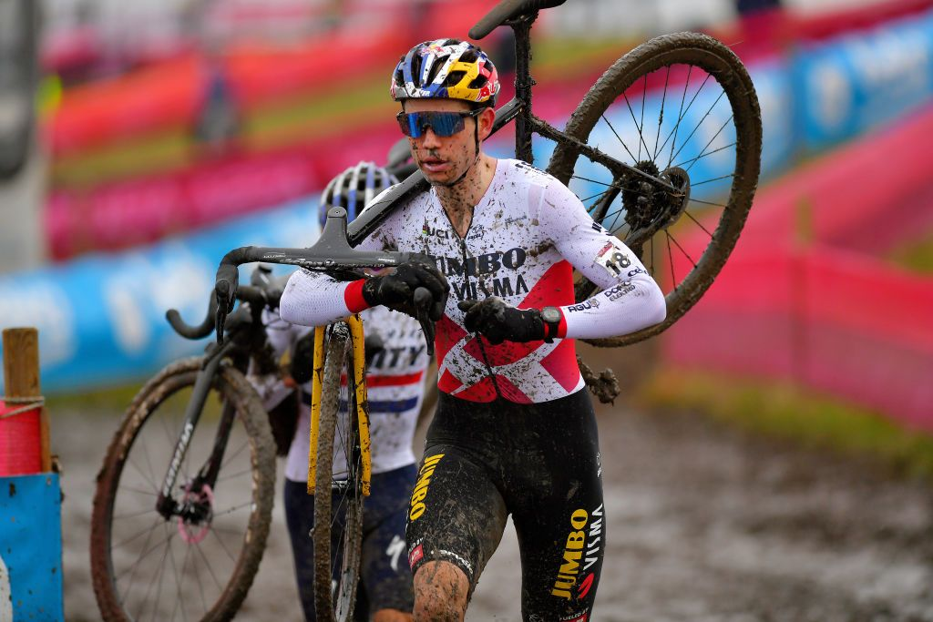 Wout van Aert claims Cyclo-cross World Cup with victory in Overijse | Cyclingnews