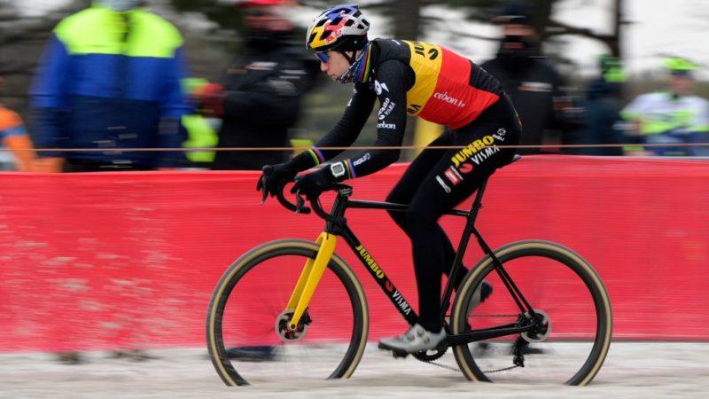 Wout van Aert wins men's Zilvermeercross