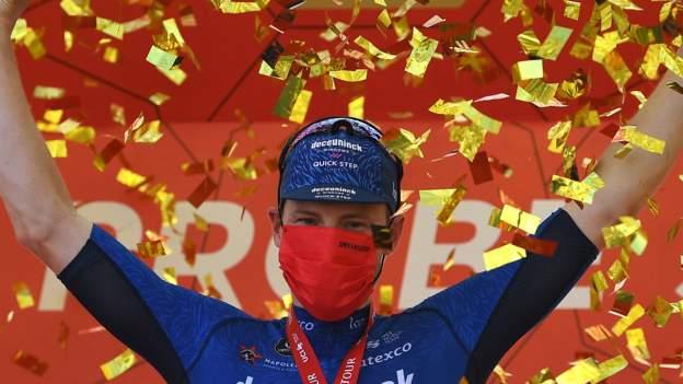 Sam Bennett pakt de 50e overwinning in zijn carrière in de vierde etappe van de UAE Tour