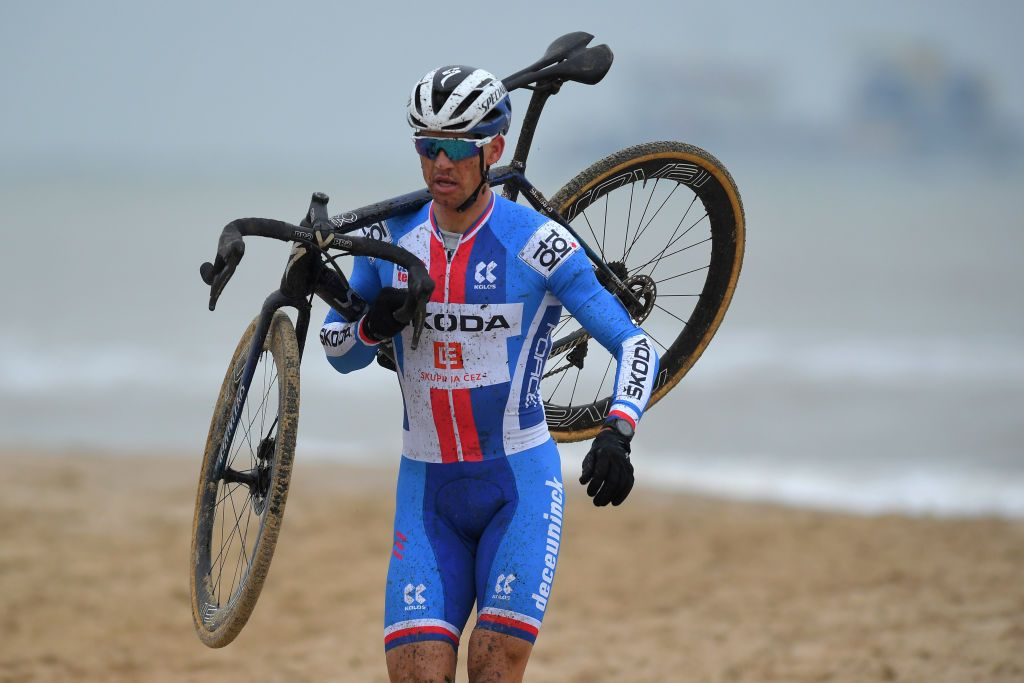 Zdenek Stybar suffers through Cyclo-cross Worlds after late entry