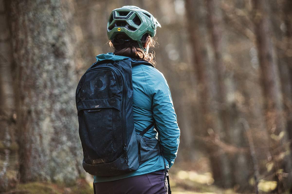 EVOC Trail Pro 10L back protector back pack for MTB