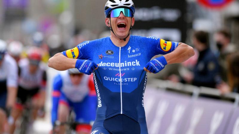 Davide Ballerini scoort dominante sprintoverwinning – VeloNews.com