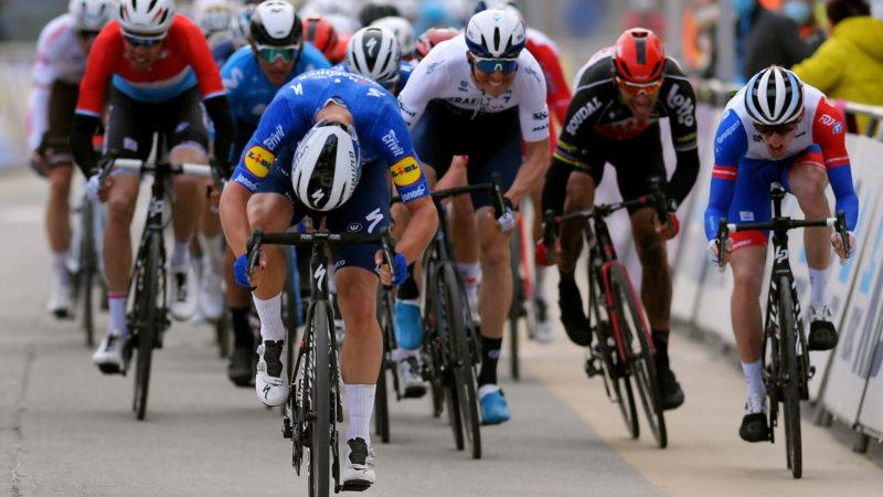 """""""Es gab nicht genug Straße, um die Lücke zu schließen"""": Jake Stewart meldet sich bei der WorldTour mit schnellem Ziel bei Omloop Het Nieuwsblad an"""