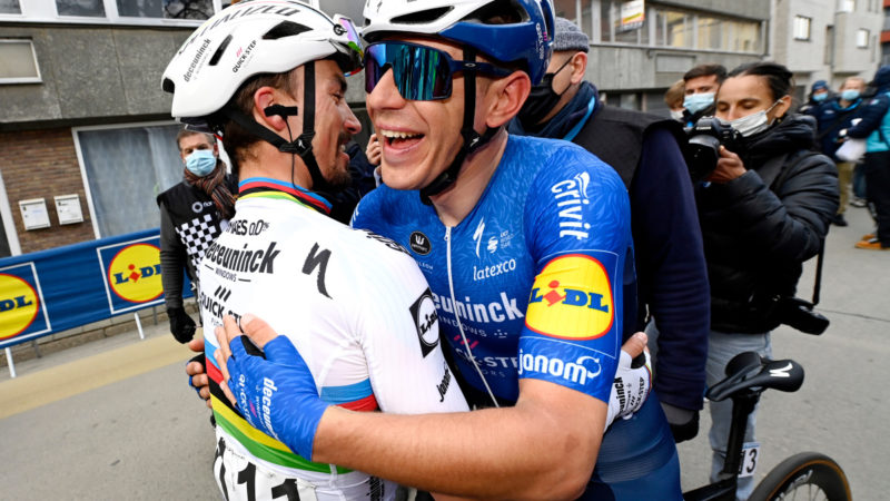 Teamarbejde får drømmen til at virke for Davide Ballerini på Omloop Het Nieuwsblad – VeloNews.com
