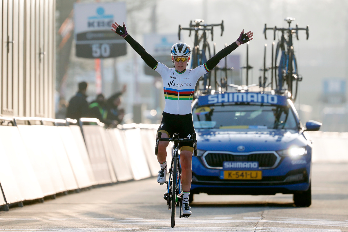 Why Dutch riders are dominating the women's peloton – VeloNews.com