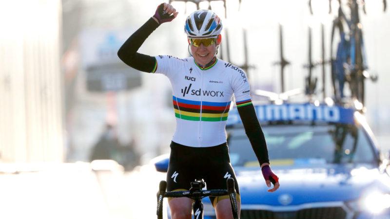 Anna van der Breggen caps a dominant SDWorx performance with Omloop het Nieuwsblad victory