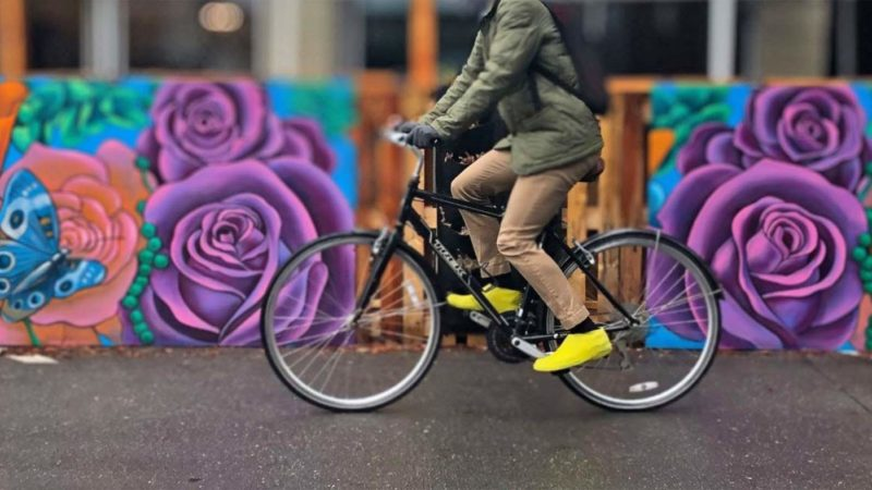 VeloToze Roam latex shoe covers keep street & flat pedal shoes dry, are even walkable too!
