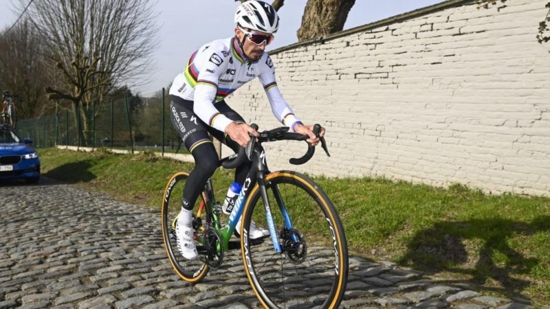 Julian Alaphilippe: I'm not the number one favourite for Omloop Het Nieuwsblad