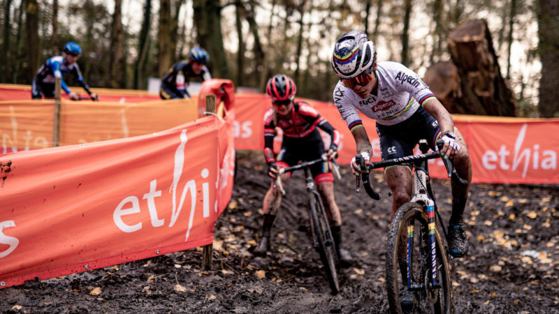 Cyclocross stars Alvarado and Cant invited to Paris-Roubaix