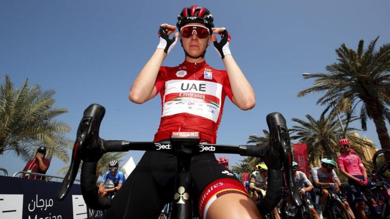 Pogacar kreeg bij de UAE Tour een strafschop van 10 seconden voor een push