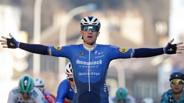 Paris-Nice: Sam Bennett remporte la première étape alors que Richie Porte s'écrase