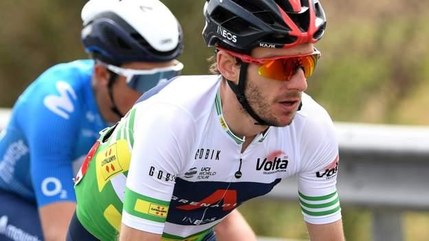 Adam Yates rimane Volta un leader catalano mentre Peter Sagan vince lo sprint
