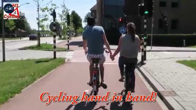 What defines Dutch Cycling (2)
