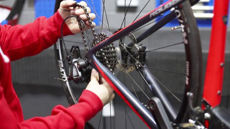 The Correct Way To Route Your Bike Chain  | Tech Tip | Tredz Bikes