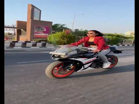 GIRL BIKE STUNTS IN SURAT CITY VIRAL VIDEO
