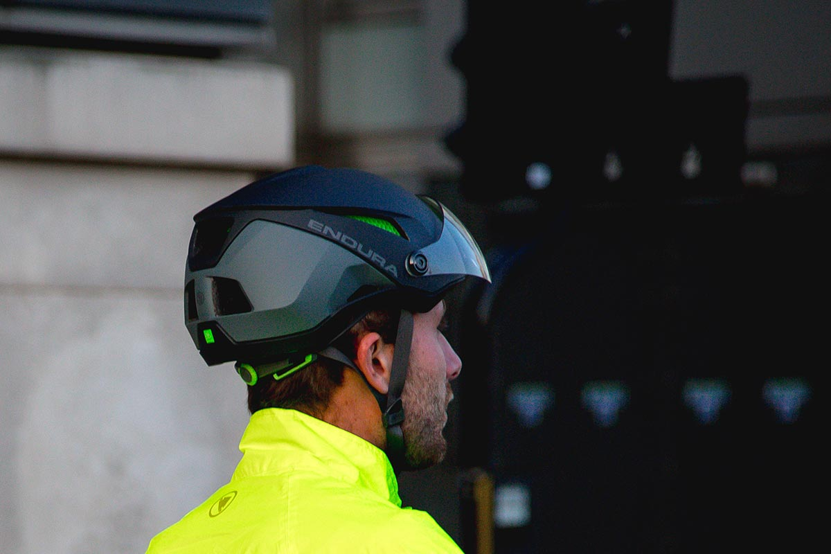 Endura Speed Pedelec-helm krijgt Koroyd Core en vizier voor het woon-werkverkeer op de ebike