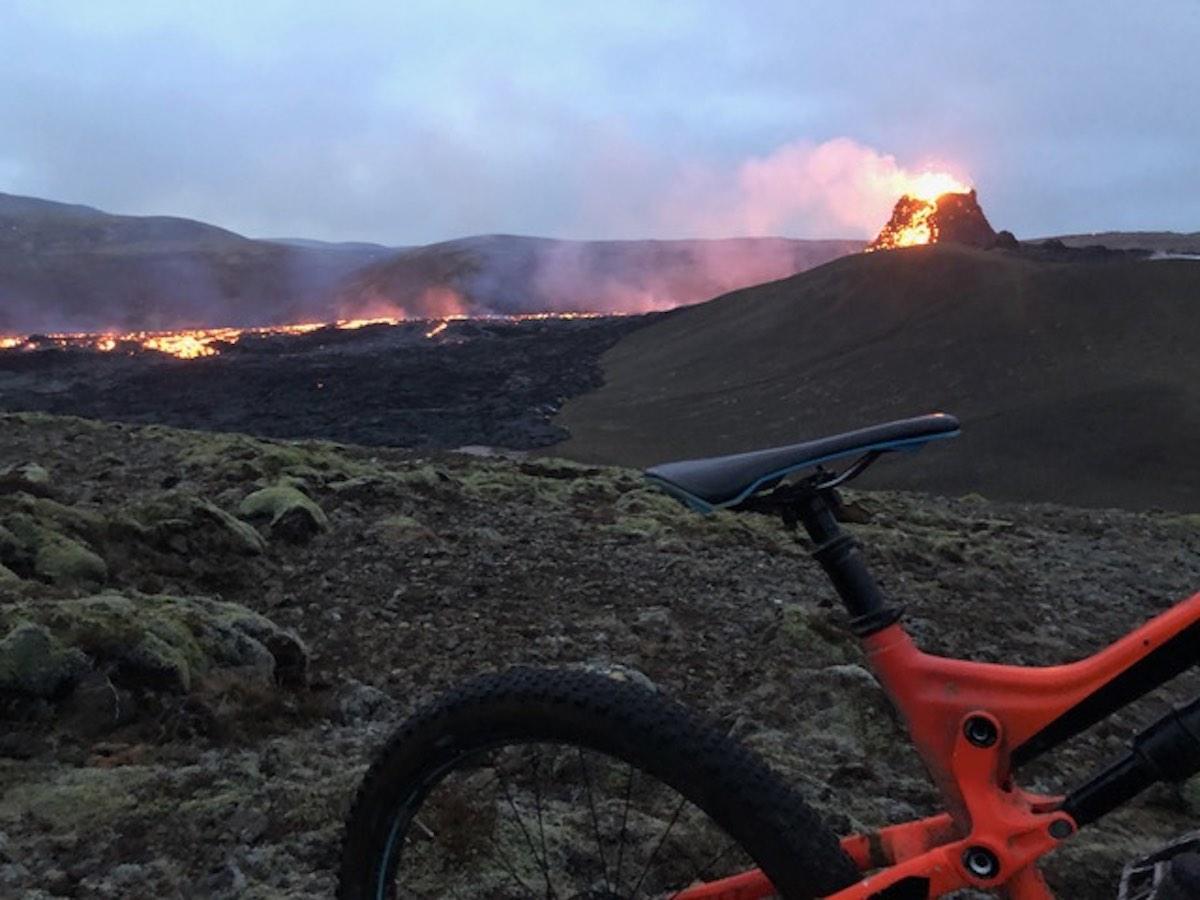 Foto del día de Bikerumor: volcán Fagradalsfjall, Islandia