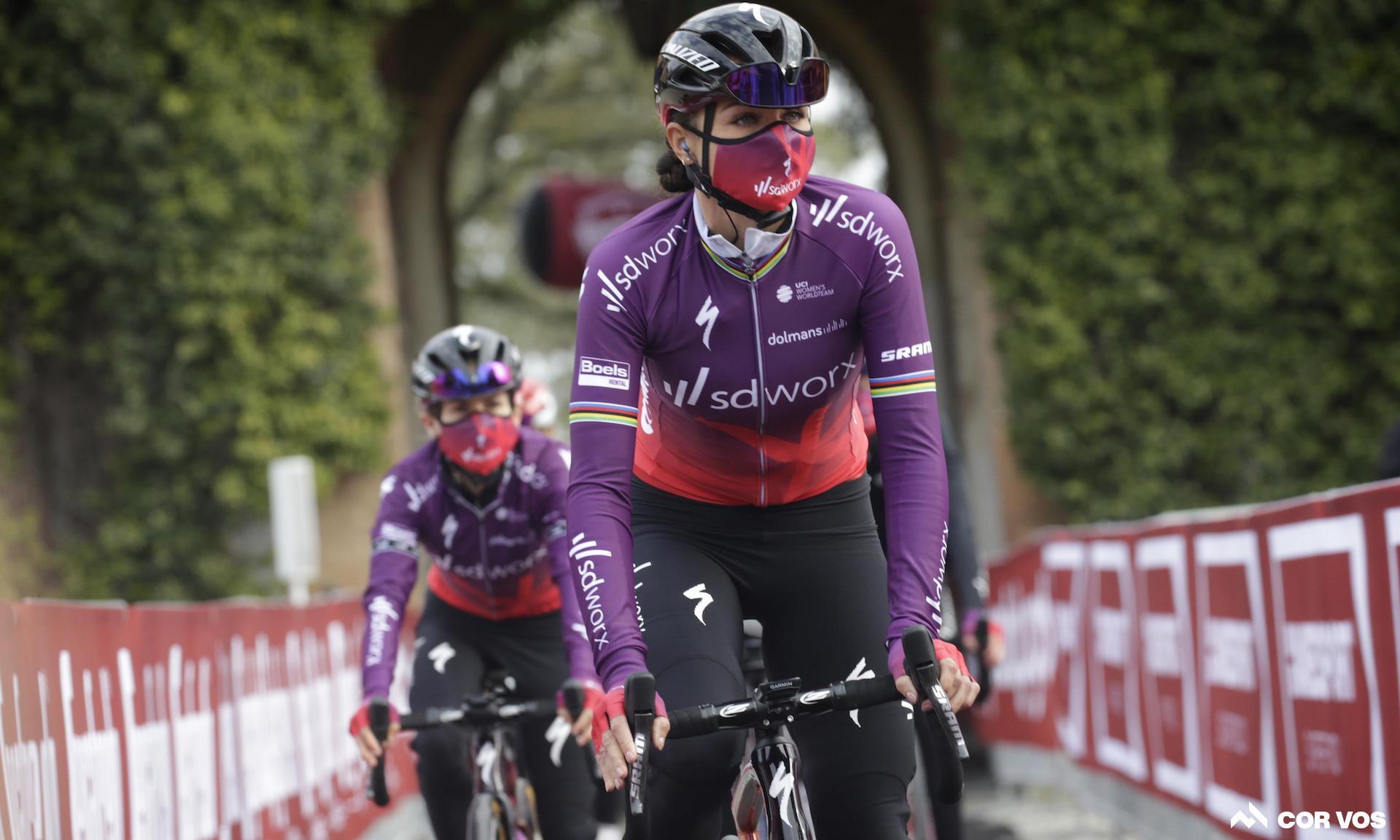 Chantal van den Broek-Blaak vinder Strade Bianche