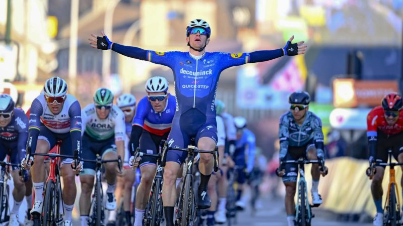 Sam Bennett corre hacia la victoria en la primera etapa del París-Niza: Daily News