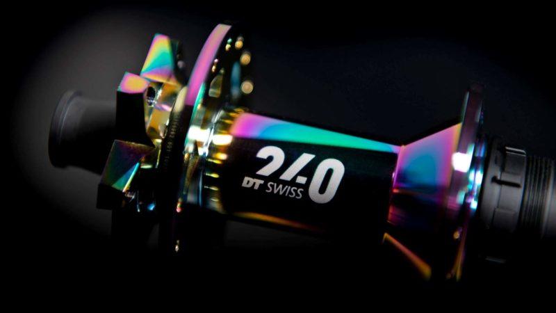 DT Swiss lanza bujes Oil Slick 240 limitados para construcciones de ruedas personalizadas brillantes