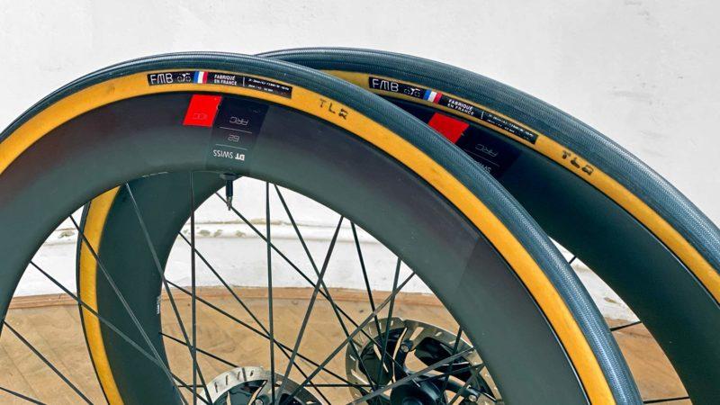 Les pneus de vélo de route tubulaires ouverts faits à la main de FMB Cobbles TLR obtiennent une mise à jour souple sans chambre à air