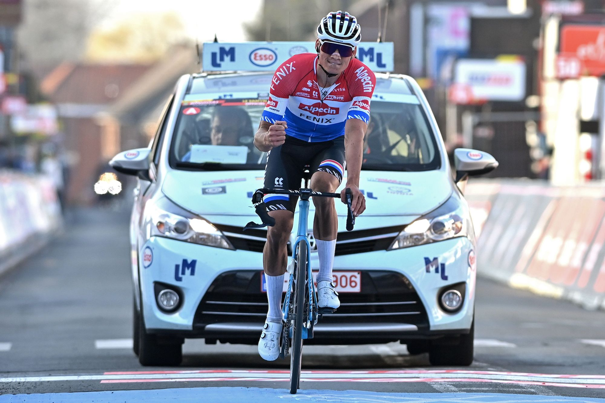 Canyon issues 'stop ride' notice to Aeroad owners following Mathieu van der Poel handlebar incident