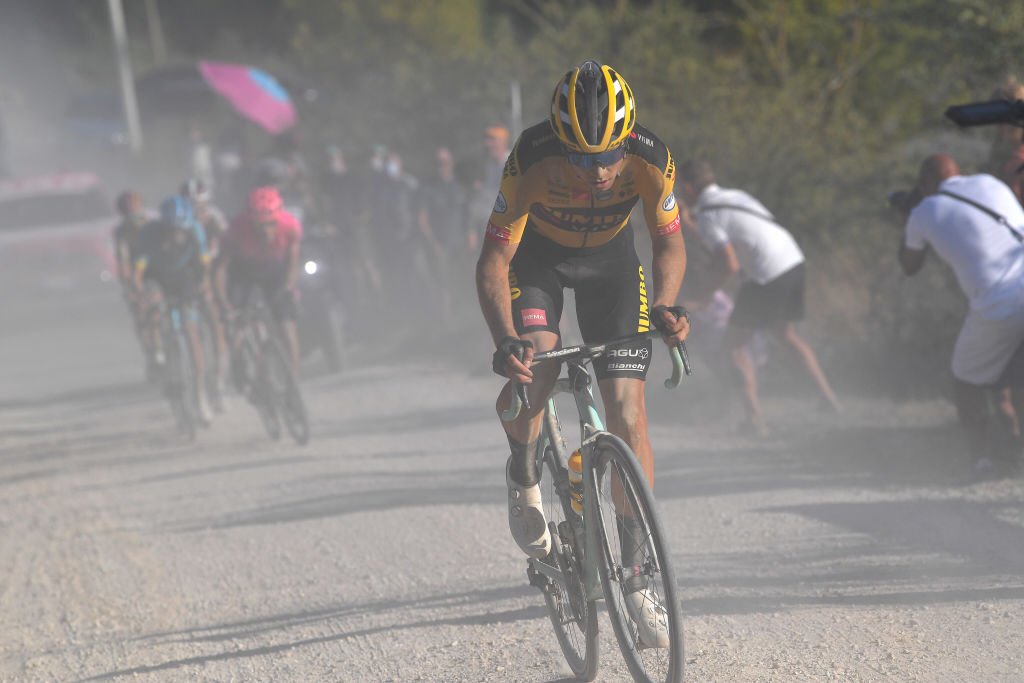 Wout van Aert maakt seizoensdebuut op Strade Bianche – VeloNews.com