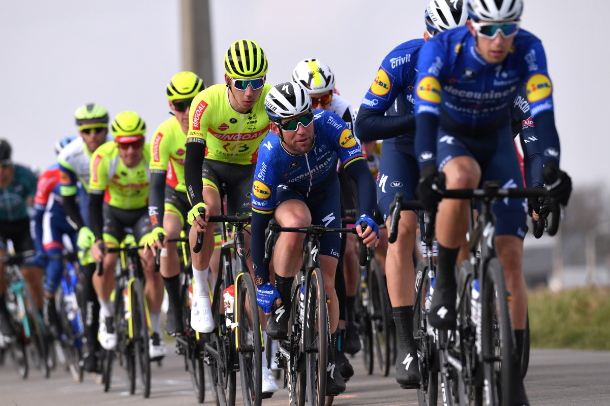 Mark Cavendish alcanza el primer podio desde 2019 – VeloNews.com