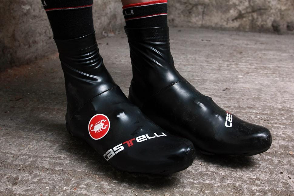 6 Ways to Keep Your Feet Warm During Winter Rides