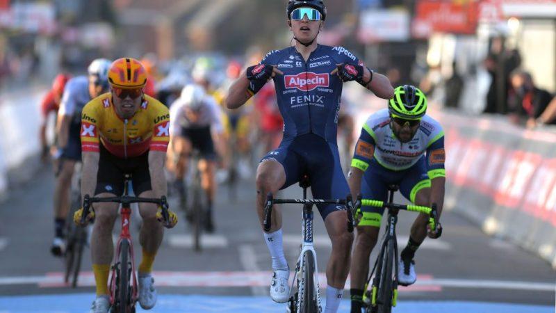 Tim Merlier wins Le Samyn