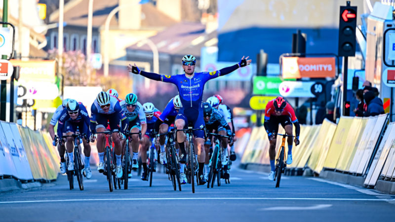 Sam Bennett muscles to win hectic sprint – VeloNews.com