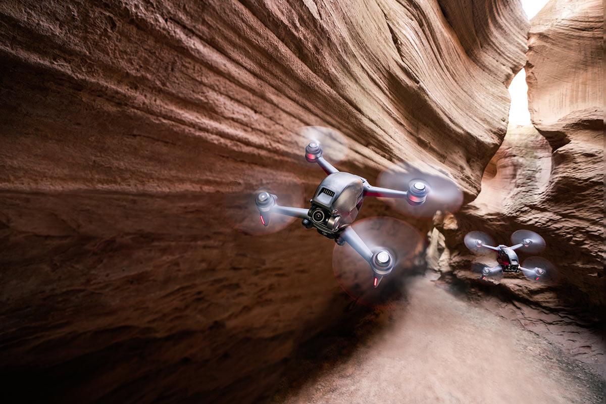 Mit der wilden neuen DJI FPV-Drohne können Sie ihren Flug steuern, indem Sie Ihre Hand mit einer Geschwindigkeit von bis zu 100 km / h bewegen!