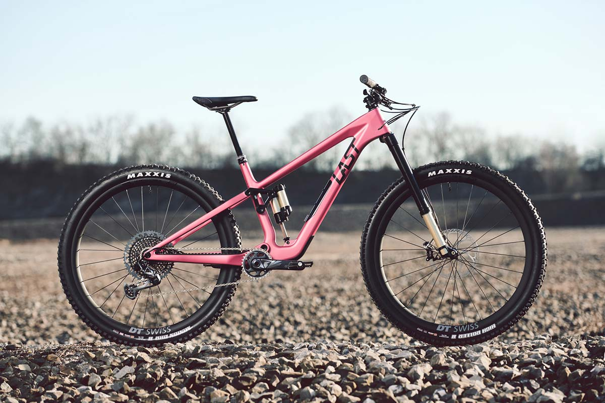 The Last Cinto 145mm MTB puts a flex pivot in mullet-able carbon frame