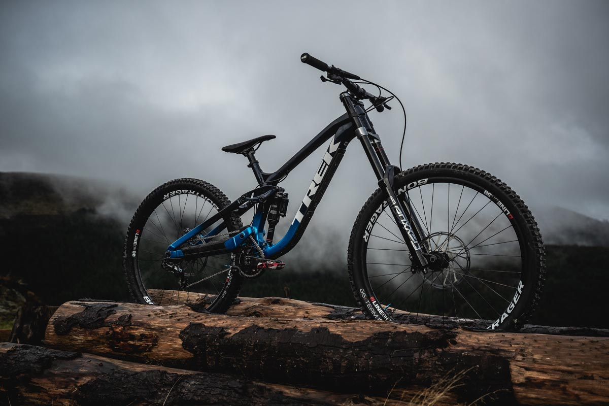 Trek drops back to their DH roots with new high pivot, aluminum Session downhill bike