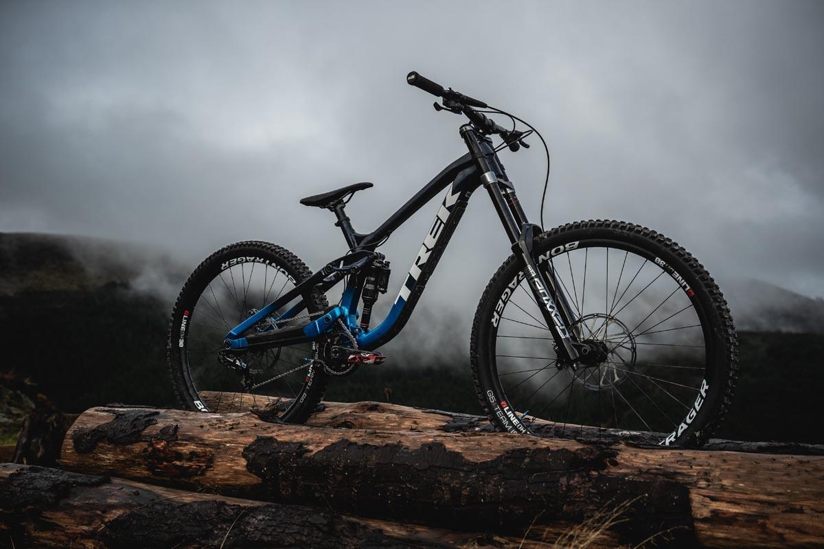 Trek kehrt mit dem neuen Session-Downhill-Bike aus Aluminium mit hohem Drehpunkt zu seinen DH-Wurzeln zurück