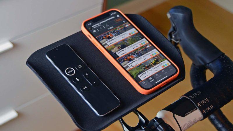 Foothill Trainer Tray laat je telefoon rusten in een normale GPS-houder