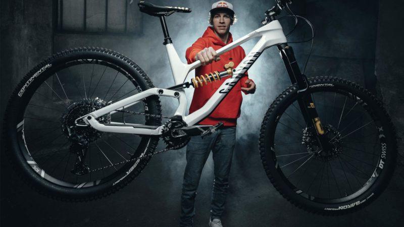 Vélo d'enduro Canyon Torque CF Fabio Wibmer en édition limitée