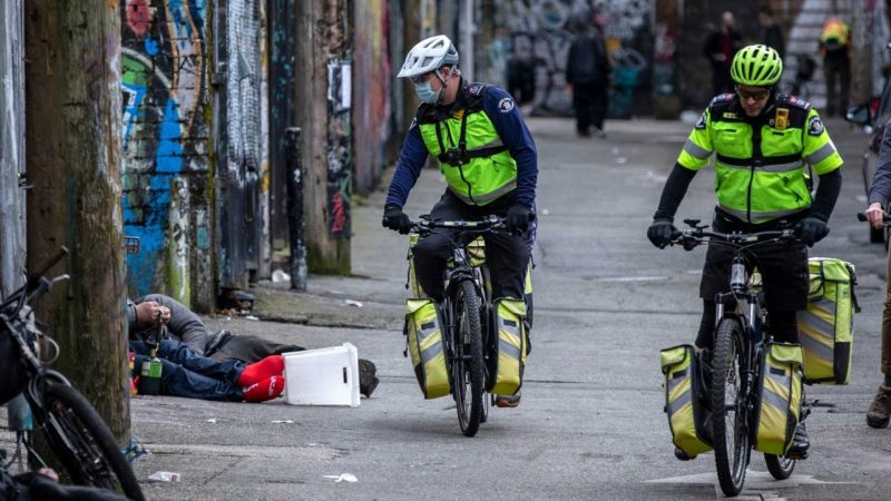 Vancouver bike paramedics seek to expand amid toxic drug crisis