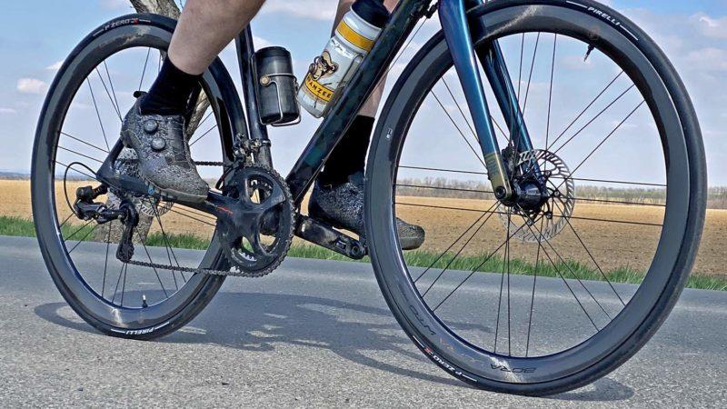 Las ruedas aerodinámicas Campagnolo Bora Ultra WTO giran más ligeras y rápidas