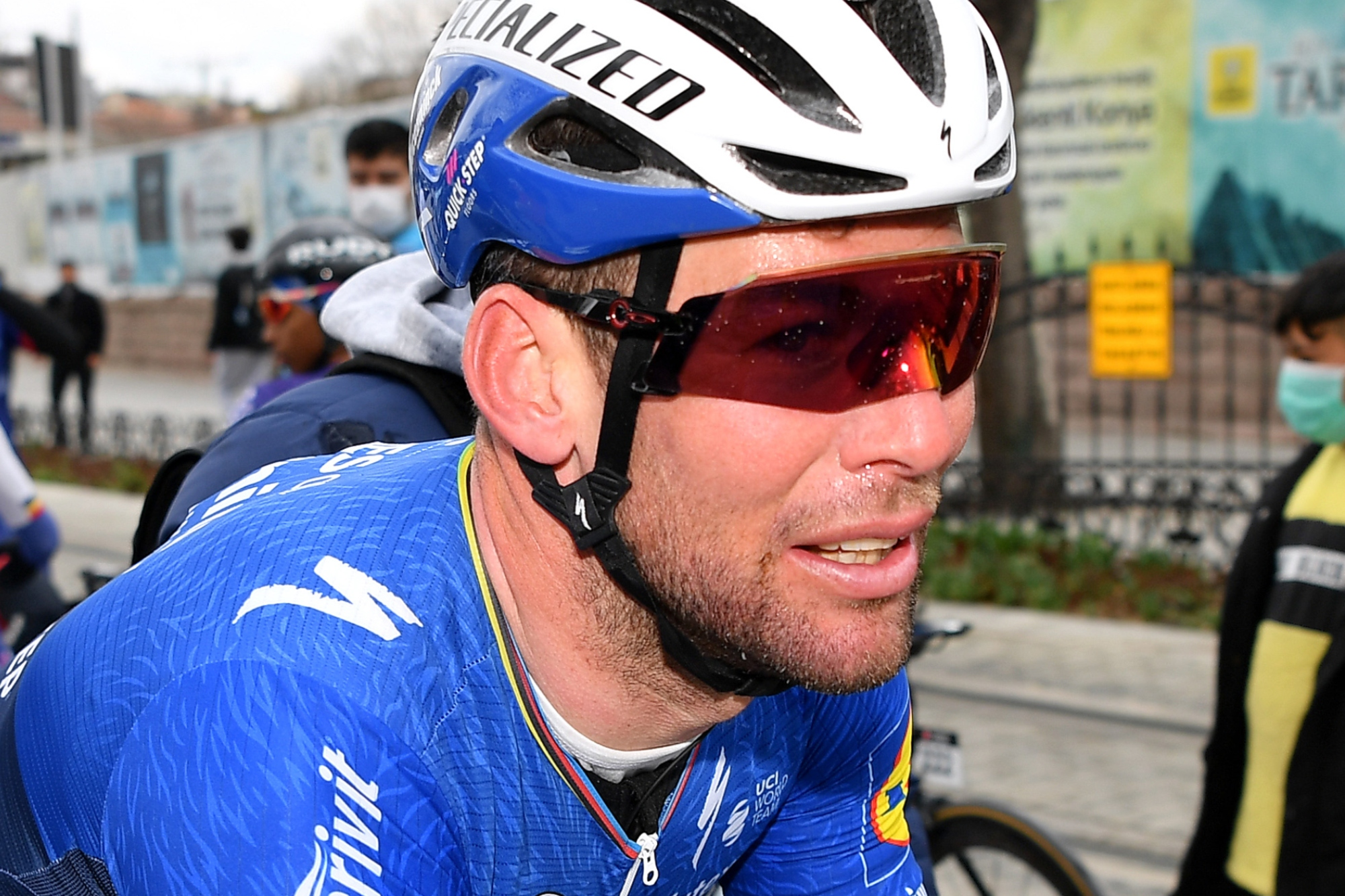 Canvendish sporting still unreleased Oakley glasses for Tour of Turkey win
