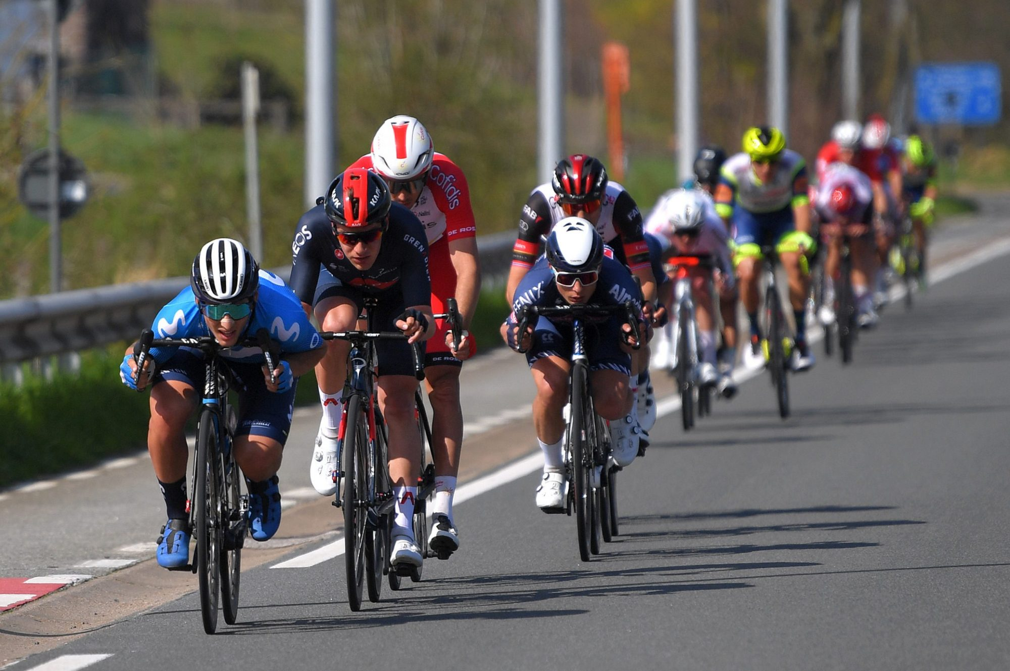 """Les coureurs du Tour du Pays Basque ne savent pas comment s'adapter et ne pas tomber sous le coup de l'interdiction de l'UCI sur le """" super-tuck """""""
