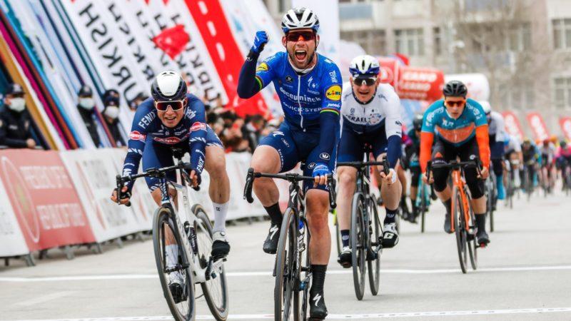 Mark Cavendish behaalt zijn eerste overwinning sinds 2018