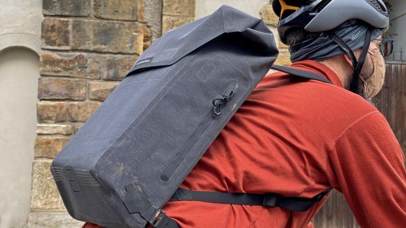 Critique: Apidura City Backpack Minimalist Bike Commuter Tech