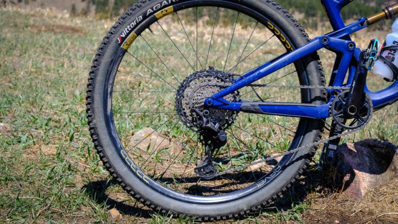 Examen à long terme: les roues de vélo de montagne en carbone RW30 recyclables de Revel