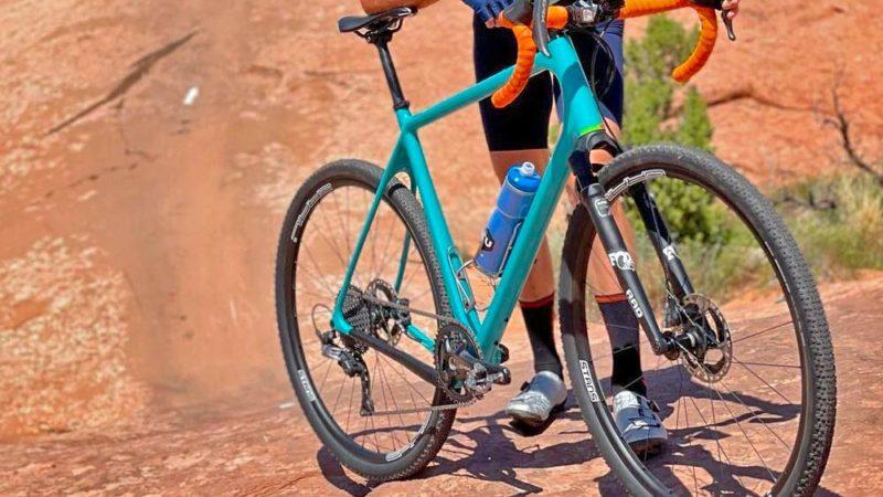 Geoff Kabush test FOX RAD prototype grindvork in Moab!