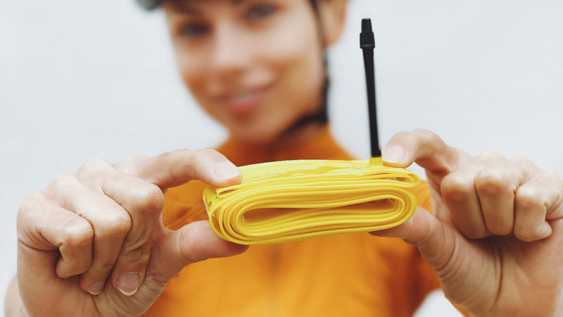 Pirelli SmarTUBE ruller ultra letvægtsforstærkede innertuber ud til vej, grus og MTB