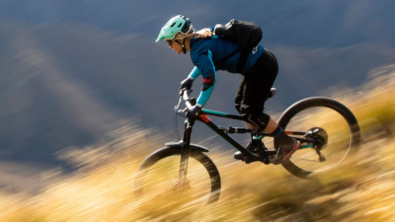 SR Suntour Auron trail fork gets EQ air spring upgrade for smoother, quieter squish