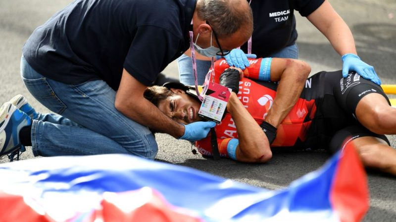 Mikel Landa out of Giro d'Italia after crash on stage 5