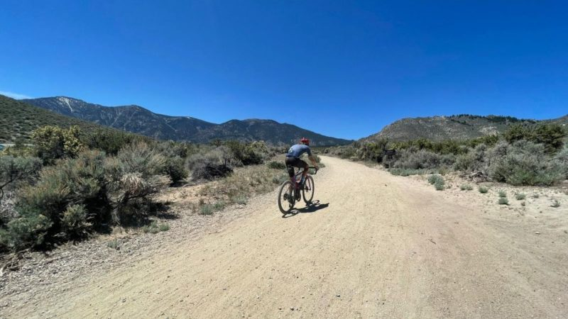 Oregon Trail Gravel Grinder: I think there's a leader's jersey, maybe it's yellow, says Stetina