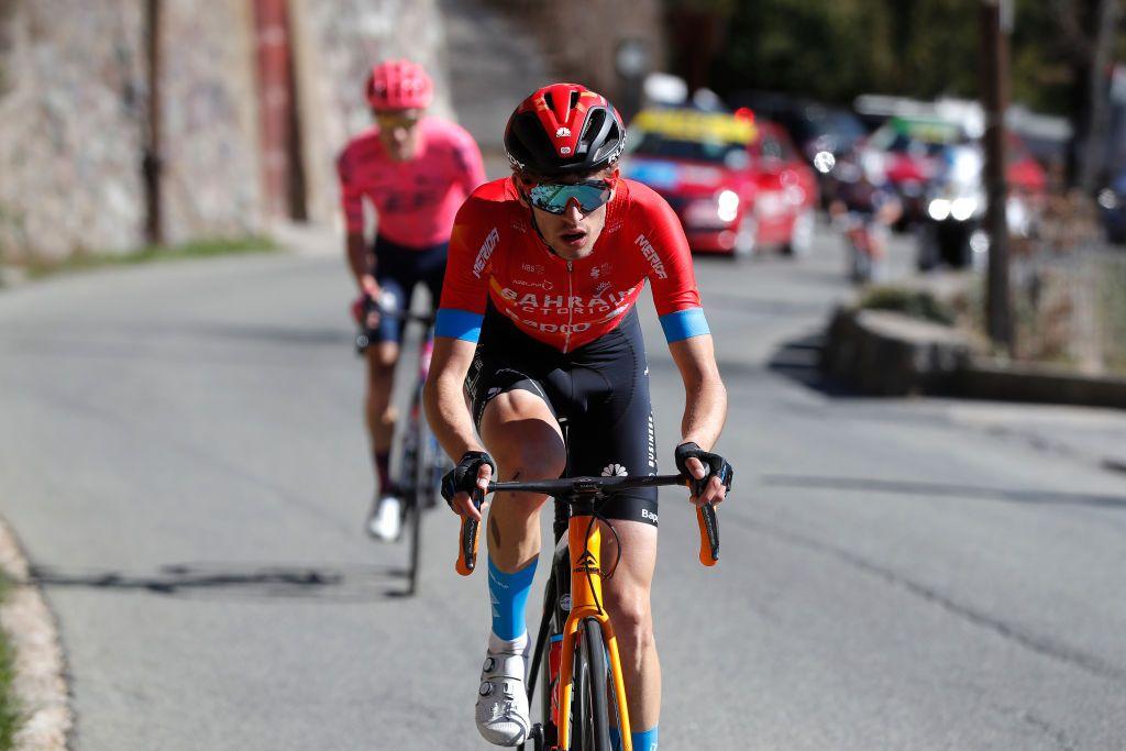Giro d'Italia: Gino Mäder wins stage 6